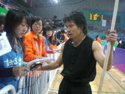 ONS志愿者现场采访南棍选手